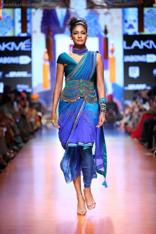 Model walk the ramp for Tarun Tahiliani Show at Lakme Fashion Week 2015 Day 5 on 22nd March 2015 shown to user